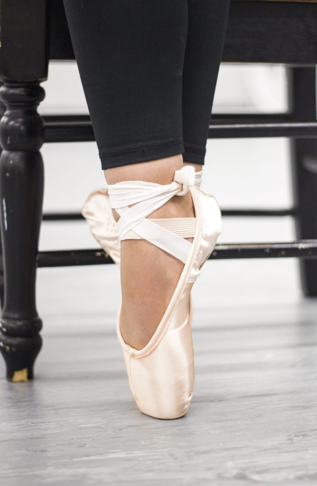 photo of a ballerina on pointe